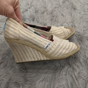 Tom's wedges